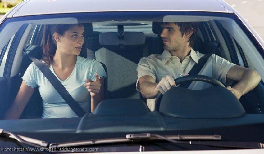 Семья по дороге с дачи попала в аварию, муж погиб, но находчивый водитель нашел способ очистить свою совесть