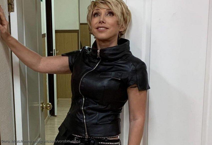 Елена Воробей сломала руку на сцене во время концерта в Ногинске