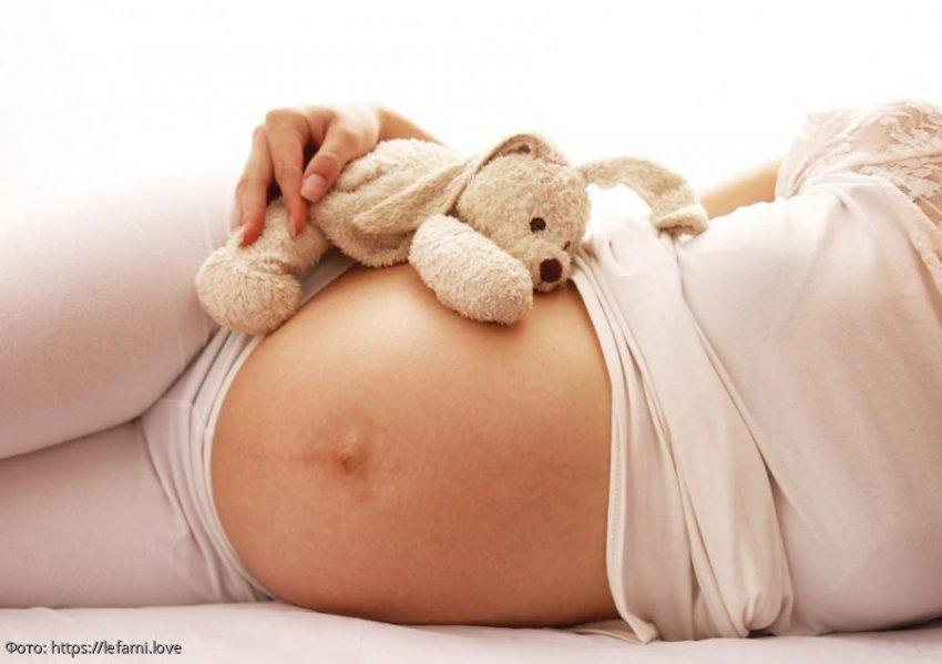Семиклассница забеременела от 10-летнего друга и всерьёз готовится стать мамой