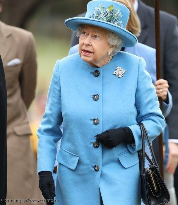 Королева подала тайный знак, свидетельствующей о ее благосклонности к Меган Маркл