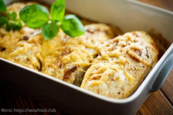 Куриное филе в духовке: нежное, сочное, с сыром или помидорами