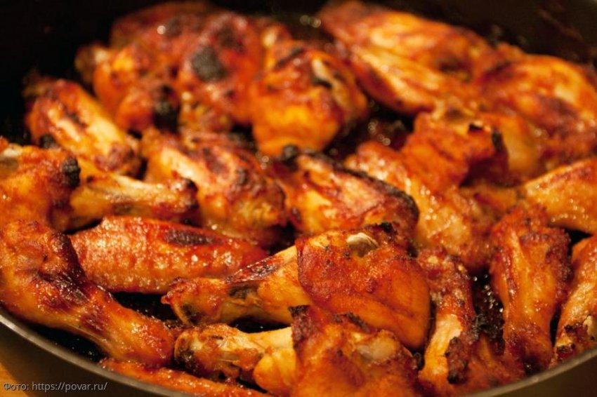 Куриные крылышки в духовке: три аппетитных рецепта, которые вам точно понравятся