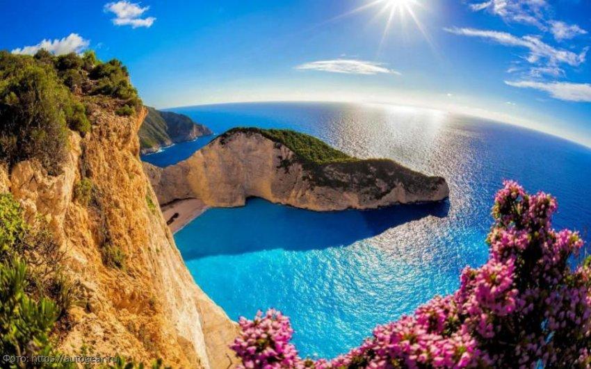 Билет в роскошную жизнь: топ-5 лучших пляжей остова Закинф
