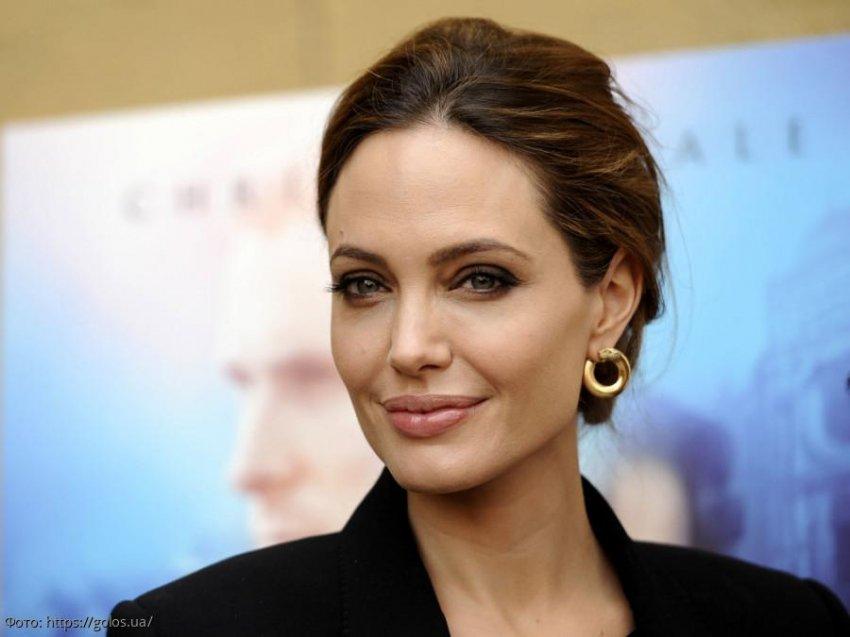Анджелина Джоли хочет усыновить еще одного ребёнка
