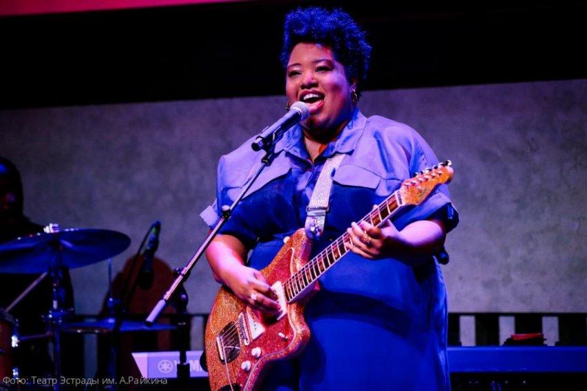 В Театре Эстрады им. А.Райкина 20 февраля состоится джазовый концерт американской группы Celisse Henderson Band