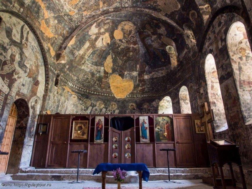 Вардзия (Грузия): история и современность пещерного города