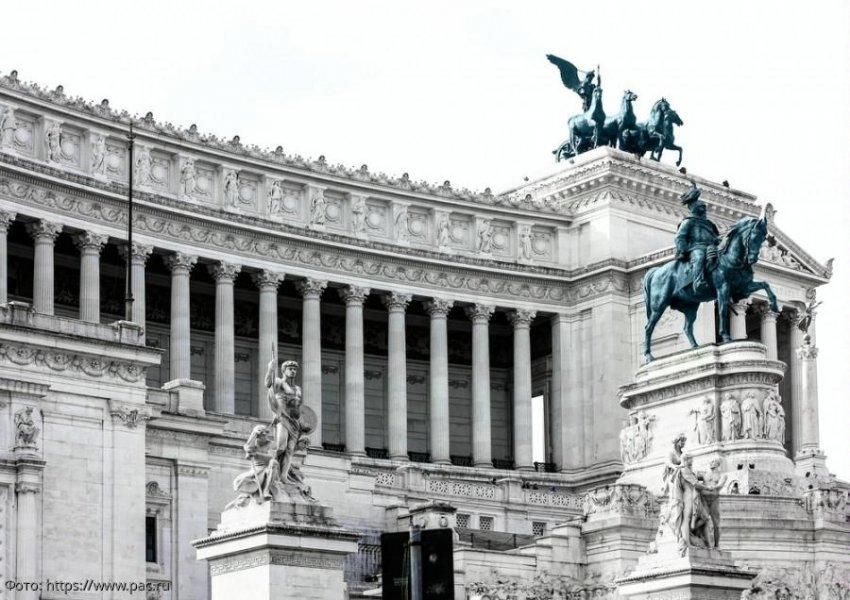 Памятник Виктору Эммануилу - точка, с которой начинается знакомство с итальянской историей