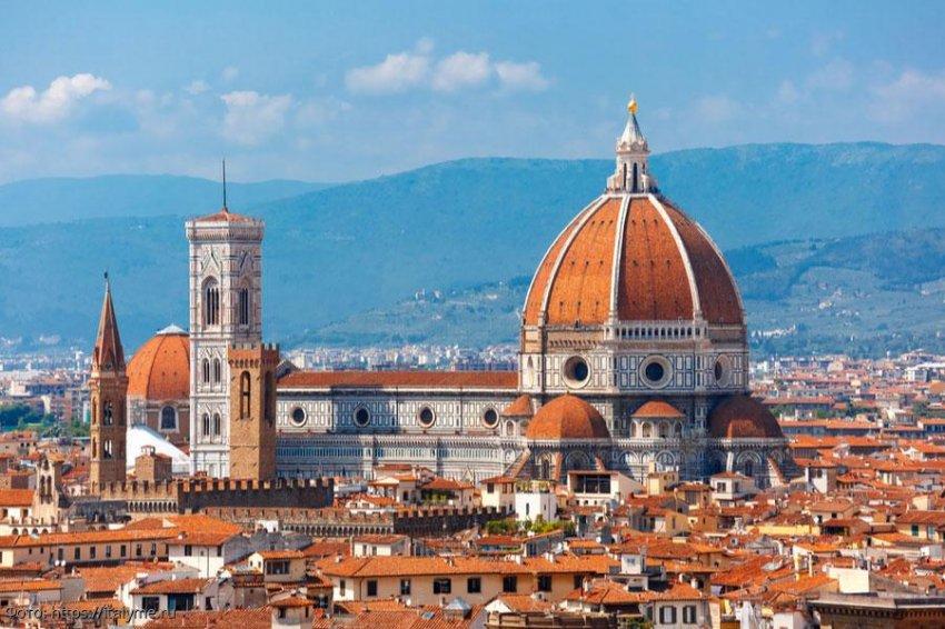 Санта-Мария-дель-Фьоре – самый большой и узнаваемый собор во Флоренции