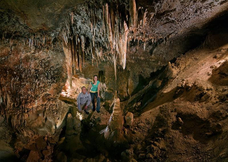 Мужчина рассказал о странностях, которые видел во время работы гидом в пещере