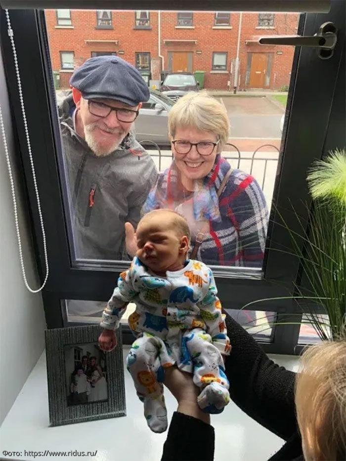 Фото трогательных встреч близких людей во время карантина