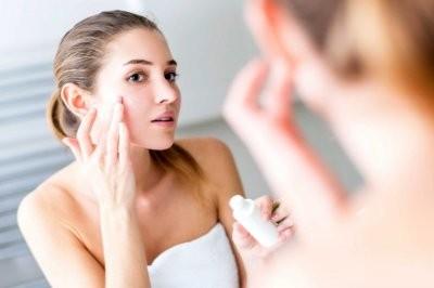 Косметолог рассказала, как во время пандемии коронавируса очищать лицо