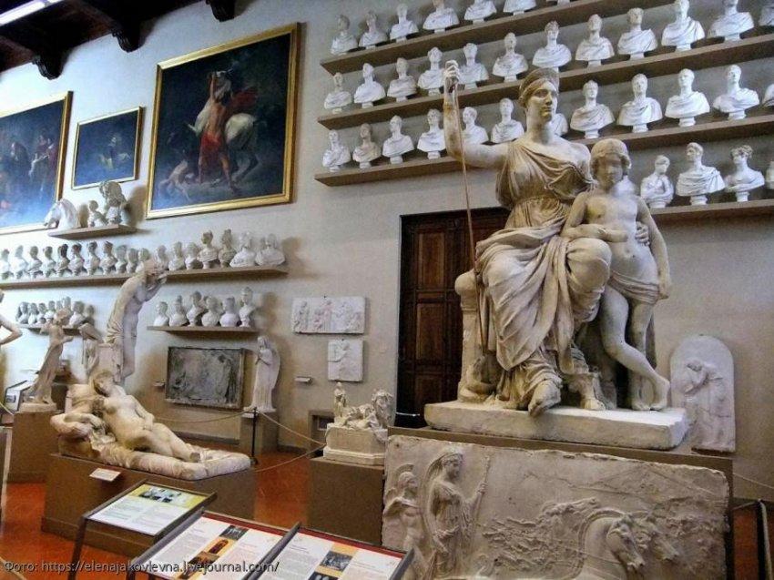 Галерея Академии во Флоренции - второе по посещаемости туристами место