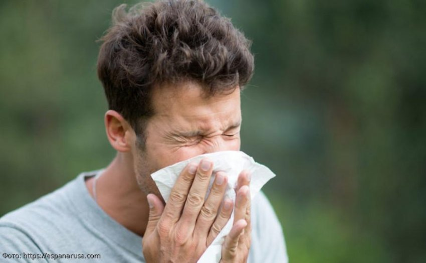 Астролог Росс предсказал сроки, когда человечество поборет коронавирус