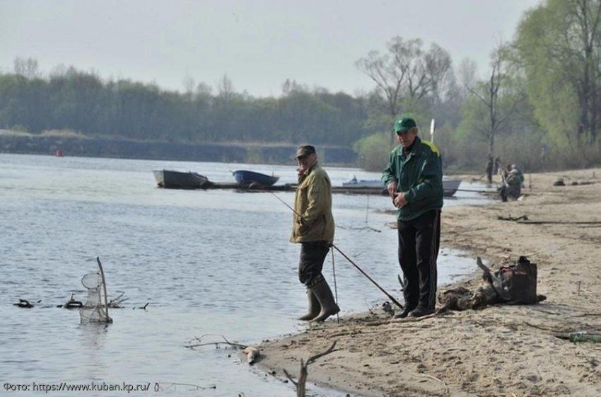 Два жителя г. Ейск задержаны за нарушение Правил рыболовства