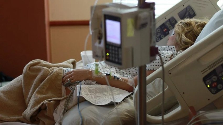 Медсестра рассказала, по каким симптомам определяется тяжело больной коронавирусом человек
