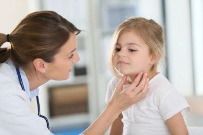 Эндокринолог назвала симптомы, при появлении которых надо проверить щитовидку у ребенка
