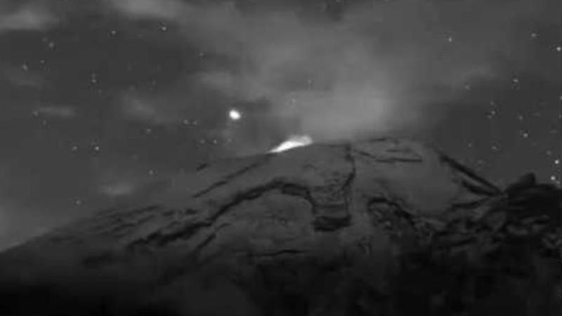 Из вулкана Попокатепетль опять вылетел НЛО: эксперты говорят, что у них там база