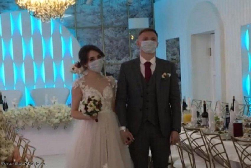 В России могут запретить свадьбы и разводы на время пандемии коронавируса