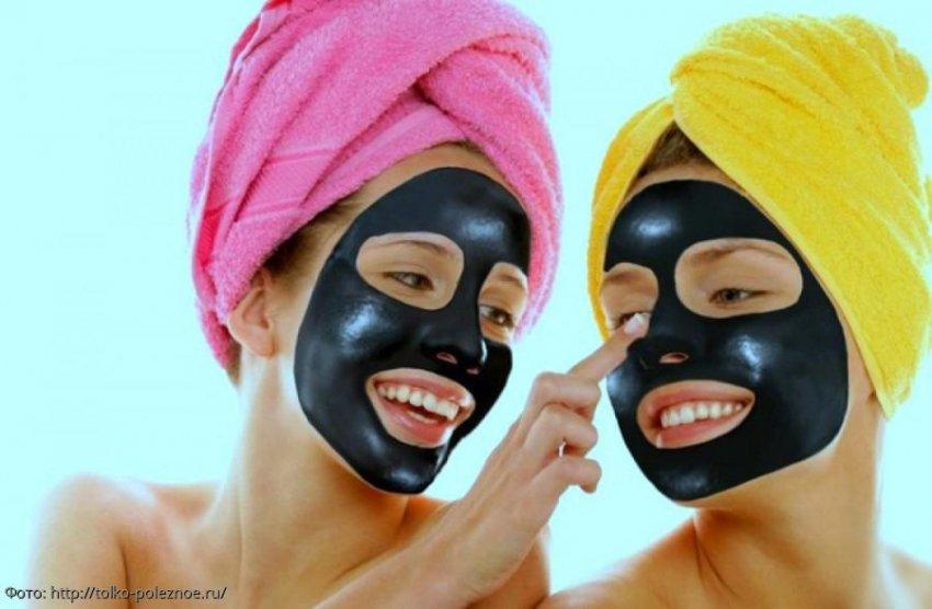 Топ 4 популярных рецепта, как сделать угольную маску для лица