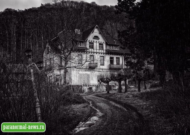 Двое мужчин поехали смотреть пустой дом для покупки и едва не умерли от страха