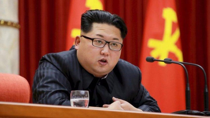 У Ким Чен Ына есть двойник: на последних фото северокорейский лидер имеет ряд отличий