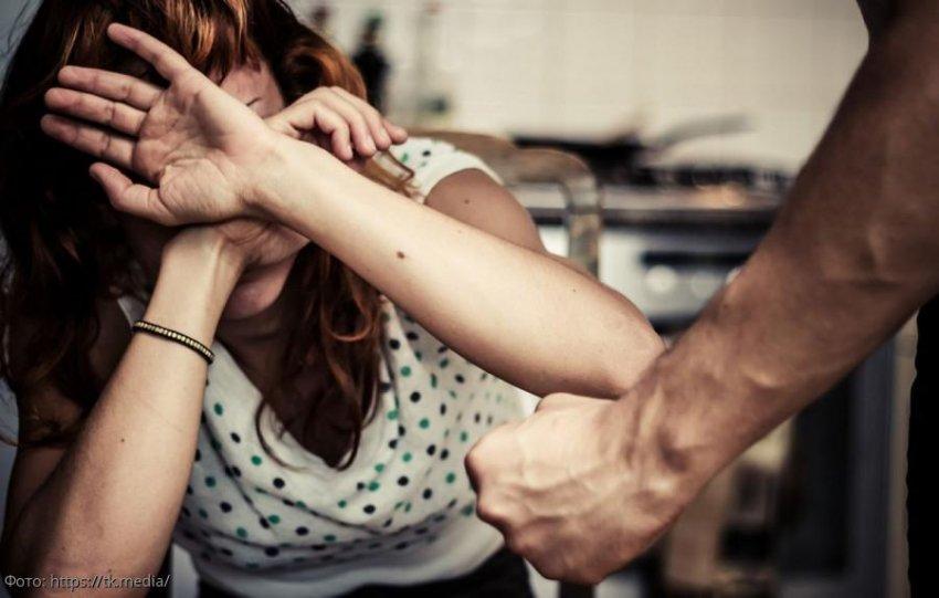 Не так страшен вирус, как кулак мужа: Голикова принимает срочные меры из-за домашнего насилия на изоляции
