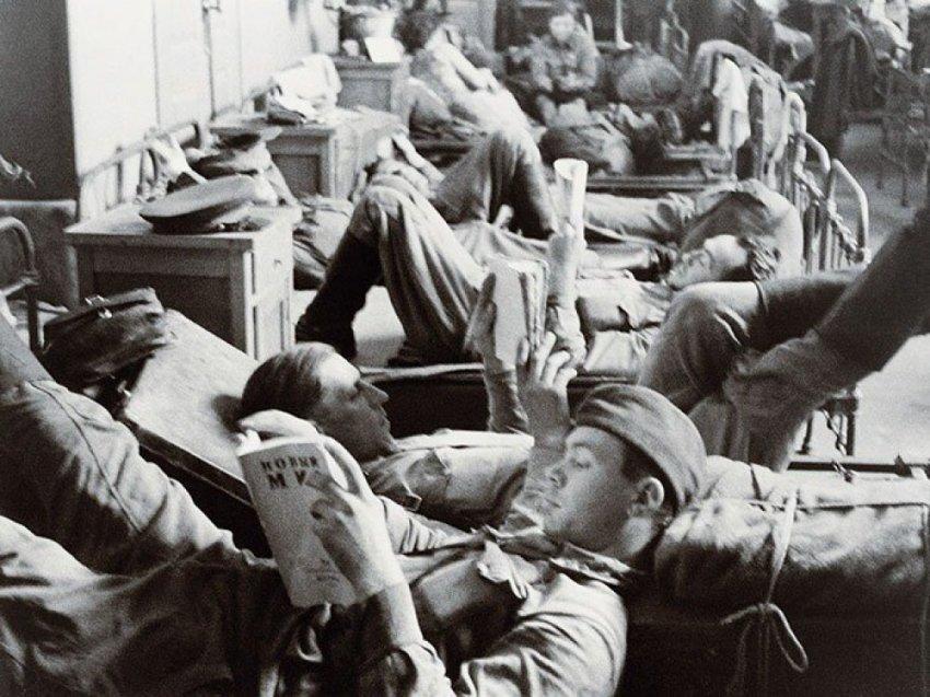 Какие книги сопровождали наших солдат во время войны