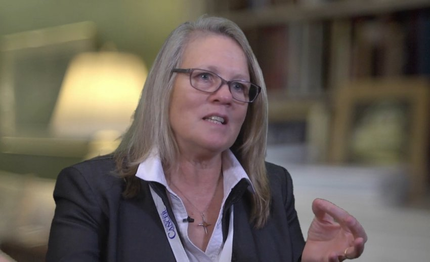 Новая теория заговора о коронавирусе от вирусолога Джуди Миковиц