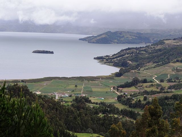 Загадочный черный «Змей» живет в колумбийском озере