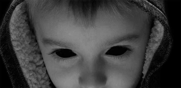 Неожиданное открытие: Дети с Черными Глазами приходят лишь к определенным людям