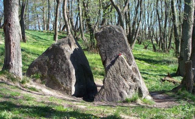 Загадочный мегалит Камень Лжи в Калининградской области