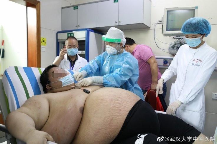 Самоизоляция за 5 месяцев превратила китайца в чудовищного толстяка - Паранормальные новости
