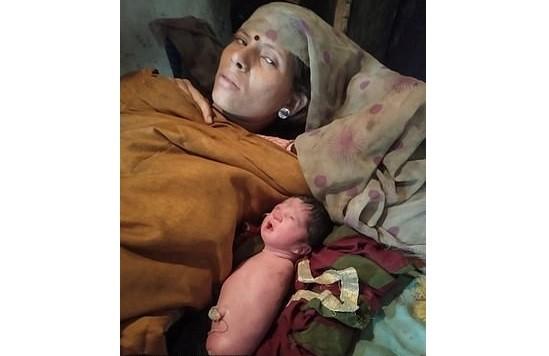 В Индии родилась девочка без рук и без ног - Паранормальные новости