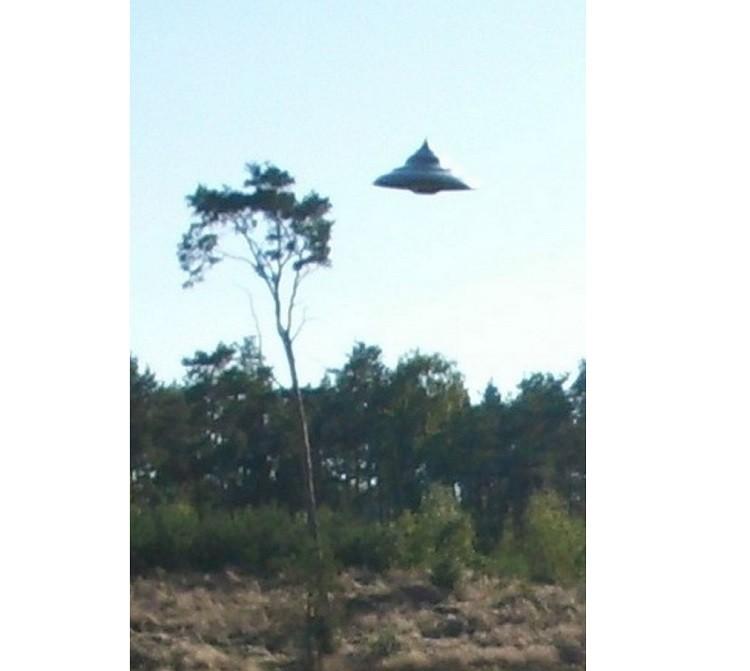 НЛО-волчок засняли в Польше и уфологи уверены, что снимки подлинные - Паранормальные новости