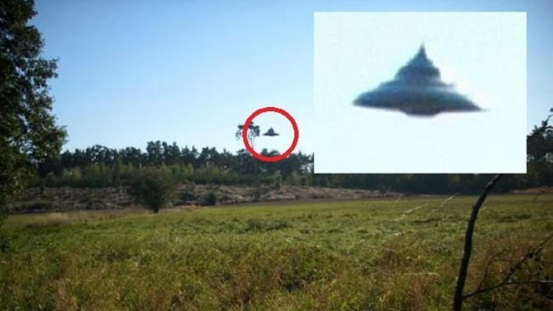 Над польским селом пролетел НЛО: в Сети появились фотографии