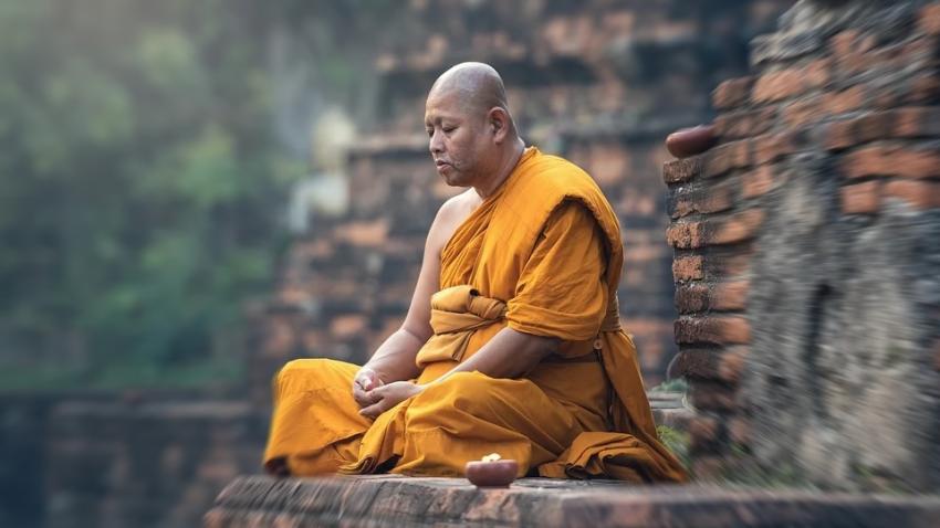 28 лет назад монах предсказал вирус, которым заразятся больше половины населения Земли