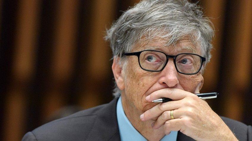 Билл Гейтс резко высказался о теории заговора относительно массового чипирования