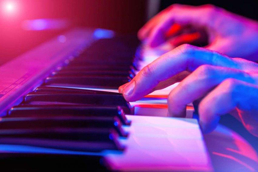 Топ 10 цифровых пианино для начинающих в 2020 году