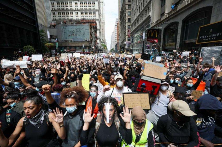 Протесты 2020 года, беспрецедентные по своим масштабам, присоединяются к длинной реке борьбы в Америке