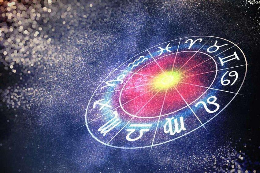 Ведущий астролог П. Глоба рассказал, какие знаки зодиака особенно рады одиночеству