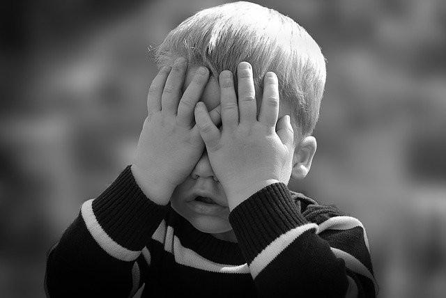 Мальчик признался бабушке, что к нему по ночам приходит страшная черная женщина - Паранормальные новости
