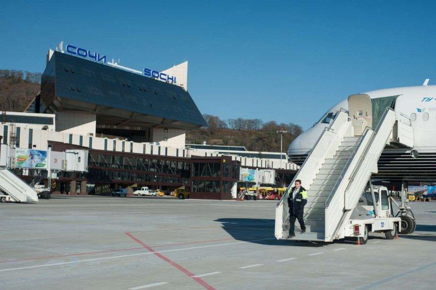 Сотрудники ПУ ФСБ России в Международном аэропорту Сочи выявили иностранного гражданина, находящегося в Федеральном розыске