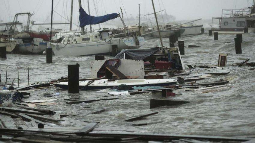 Тропический шторм Ханна к юго-востоку от Техаса с сильными дождями, внезапным наводнением ослабевает