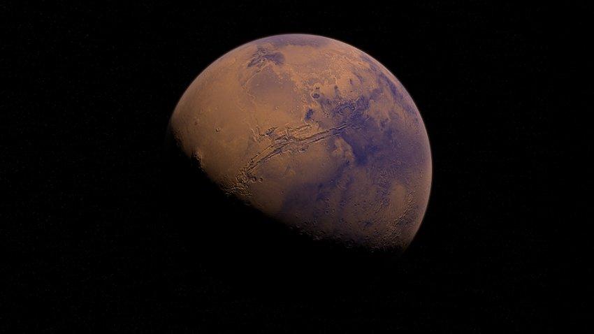 На Марсе вновь заметили странное двухкилометровое облако над вулканом