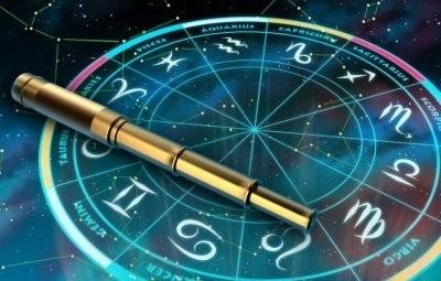 Астрологи назвали тайные слабости знаков Зодиака, которыми они предпочитают не делиться