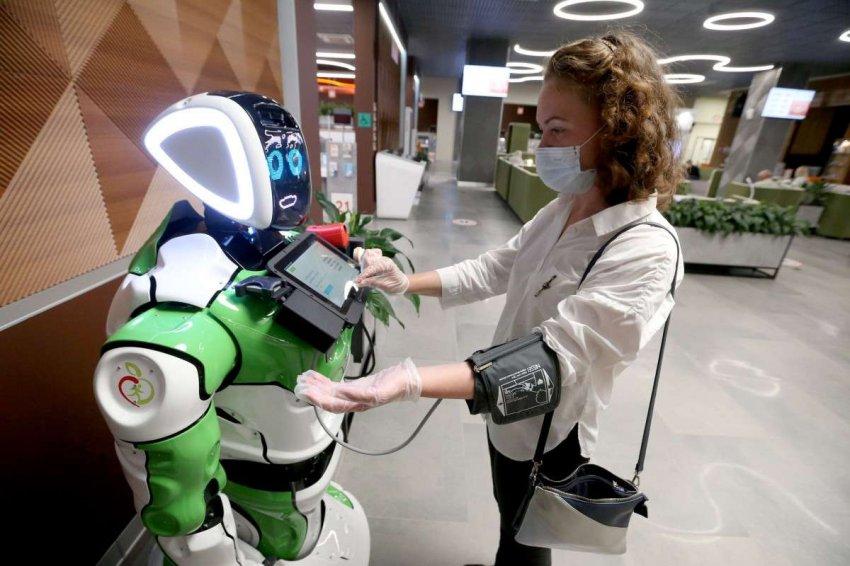 Следить за здоровьем посетителей московских центров госуслуг будут роботы