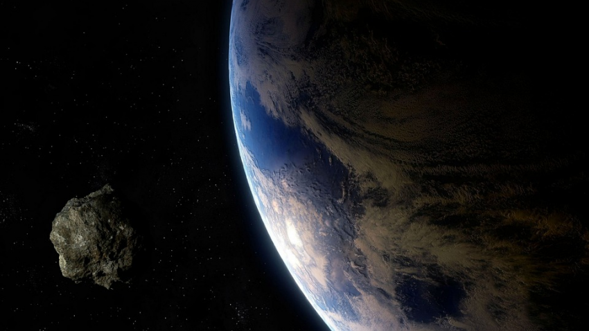 К Земле приближается огромный астероид: в НАСА рассказали о рисках