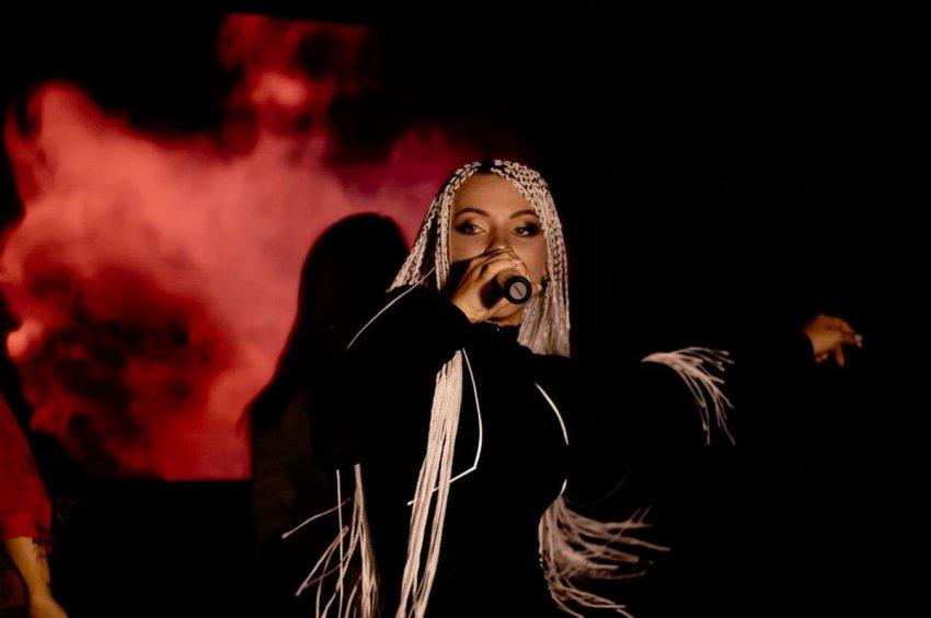 Певица KAZNA презентовала видеоклип на песню «Детали»