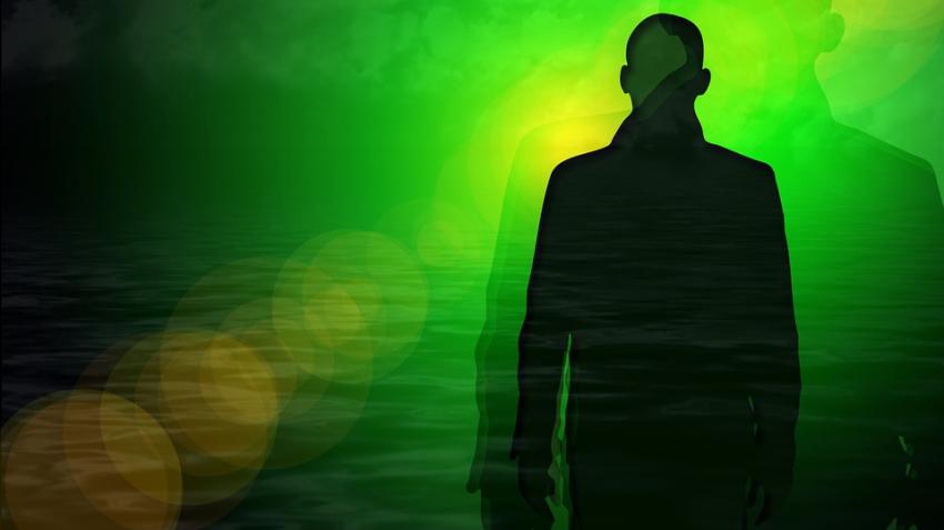 Мужчина во время клинической смерти видел не свет в конце тоннеля, а безликую женщину