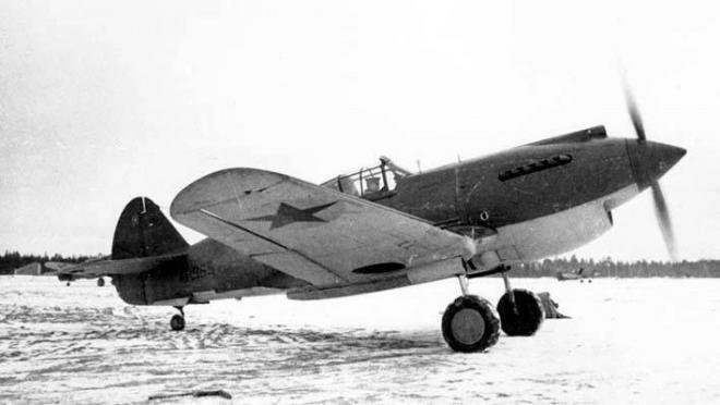 Под Петербургом из болота вытащили идеально сохранившееся тело летчика ВОВ